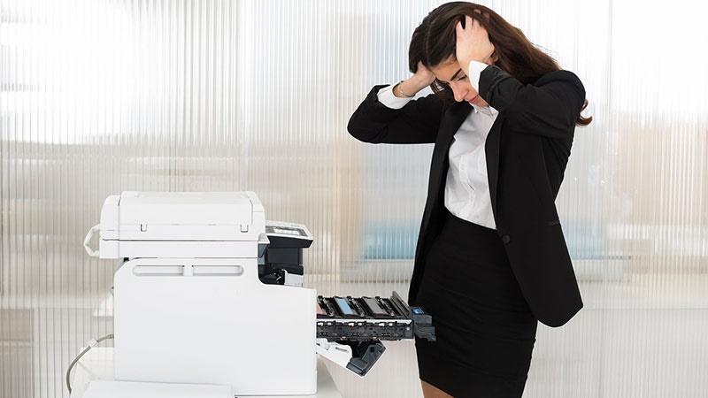 Máy photocopy bị lỗi ảnh hưởng nhiều đến công việc tại văn phòng