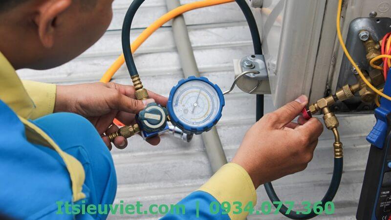 Dịch vụ bơm gas, sửa máy lạnh tại nhà quận 1 của IT SIÊU VIỆT